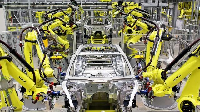 Roboter in der Autofertigung