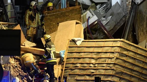 Explosion zerstört in Antwerpen drei Wohnhäuser
