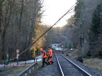 Hechendorf Bahn Gleise umgestürzter Baum