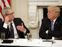 Donald Trump und Tim Cook