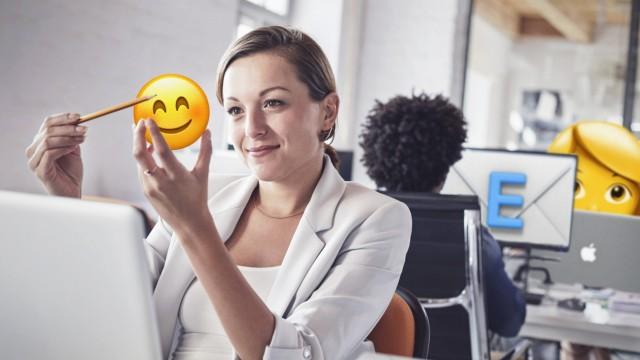 Karriereberater würden Emojis in der Jobkommunikation am liebsten verbieten. Das ist unsinnig und hemmt die Produktivität. Ein Plädoyer.