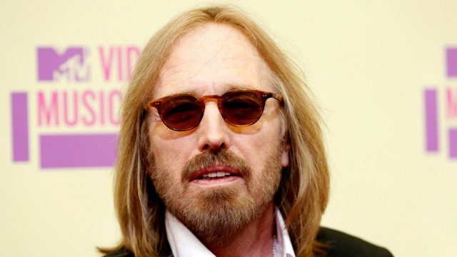 FILE PHOTO: Musician Tom Petty arrives for the 2012 MTV Video Music Awards in Los Angeles