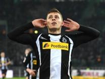 Borussia Mönchengladbach FC Augsburg 20 01 2018 Thorgan Hazard BMG jubelt nach seinem Tor zum
