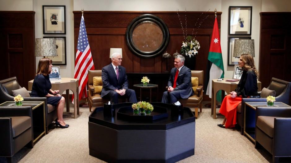 Nahostkonflikt: Mike Pence auf Schadensbegrenzungs-Tour