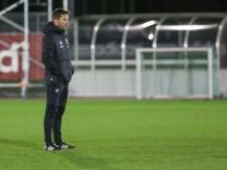2 Bundesliga Fußball FC Ingolstadt 04 Training nach Winterpause Cheftrainer Stefan Leitl F