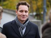 Ludwig Hartmann bei Protest gegen Flächenfraß vor bayerischem Landtag in München, 2017
