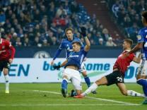 FC Schalke 04 v Hannover 96 - Bundesliga