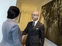 Grünwald, e-akademie, Elmar B Kreiß, der Spezialist für gute Umgangsformen ist.