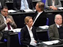 AfD-Fraktionsvorsitzende Alice Weidel und Alexander Gauland im Deutschen Bundestag.