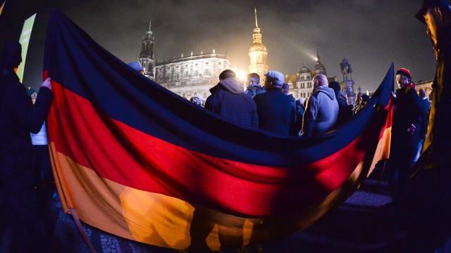 Kundgebungen zum Pediga-Jahrestag in Dresden