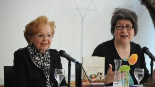 """Holocaut-Überlebende Ruth Melcer stellt """"Ruths Kochbuch"""" vor, 2015"""