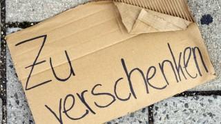 Zu Verschenken Schilder Auf Der Straße Sind Verboten München