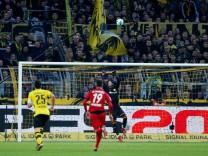 Bundesliga - Borussia Dortmund vs SC Freiburg