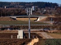 Puchheim: Mobilfunk-Mast vor Bundesstrasse B2