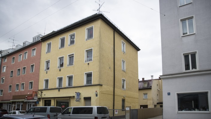 München: Ligsalzstraße 9 âē die Stadt München  hat ein Gebäude gekauft und jetzt will der Makler Provision.Sie stehen nun vor Gericht.