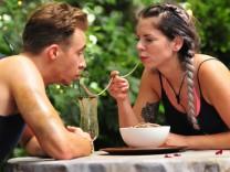 Dschungelcamp: David Friedrich und Jenny Frankhauser bei der Ekelprüfung