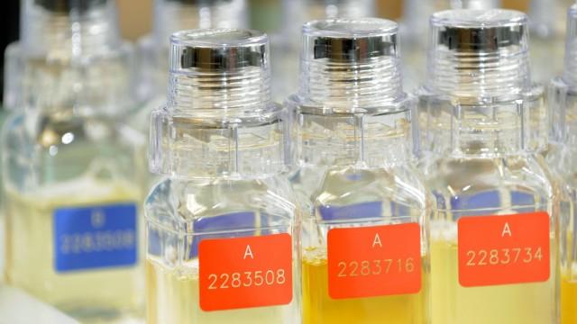 Urinproben im Doping Labor in Kreischa