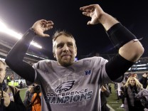 Quarterback Nick Foles der Philadelphia Eagles steht im Super Bowl LII