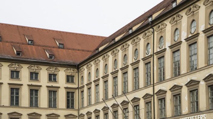 Die Alte Akademie in München war früher ein Jesuitengymnasium.