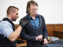 BVB-Anschlag: Der Tatverdächtige Sergej W. vor Gericht in Dortmund.