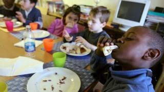 Kindertafel mit Hausaufgabenbetreuung der Caritas