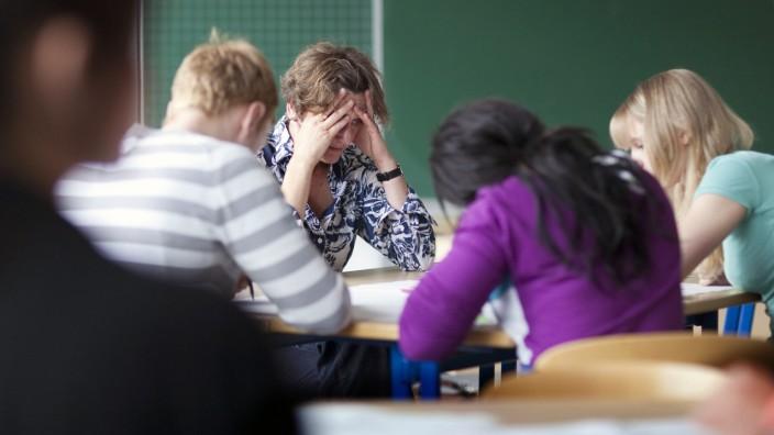 Burnout bei Lehrern Bonn Deutschland 07 06 2011 MODEL RELEASE vorhanden Burnout among teac