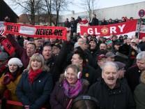 Gedenkveranstaltung für die Opfer des Flugzeugunglücks von Manchester United vor 60 Jahren