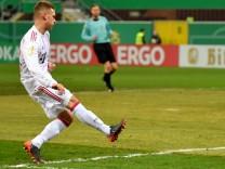 SC Paderborn v Bayern Muenchen - DFB Cup