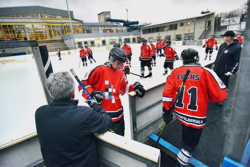 Eishockey ohne Dach