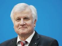 Nach den Groko-Verhandlungen zeigt sich CSU-Chef Horst Seehofer sichtlich zufrieden mit dem Koalitionsvertrag.