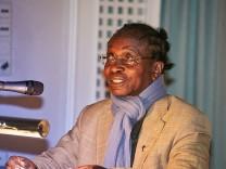 Pfarrer Olivier Ndjimbi-Tshiende