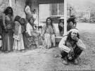 Apache_prisoners_at_Fort_Bowie,_Arizona,_1884_-_NARA_-_530907
