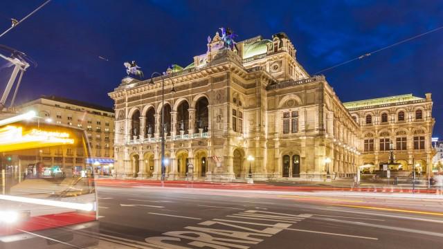 Austria Vienna state opera ring road tram at night PUBLICATIONxINxGERxSUIxAUTxHUNxONLY WDF03947