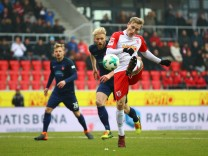 GER Fussball Herren Saison 2017 2018 2 BL 10 02 2018 SSV Jahn Regensburg 1 FC Heidenheim 18