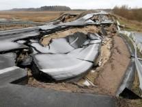 Mecklenburg-Vorpommern: Das Loch auf der A20 bei Tribsees zieht sich jetzt über beide Fahrbahnen