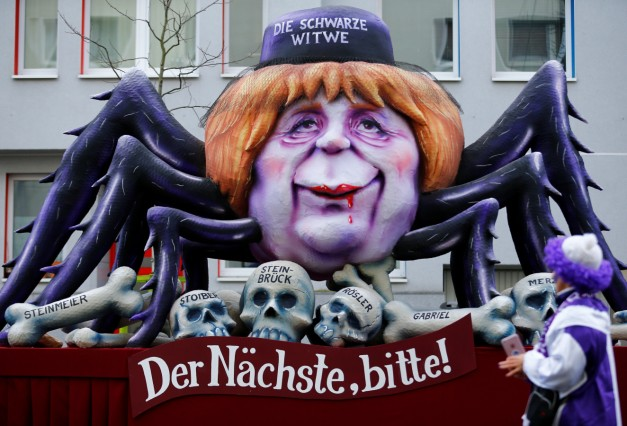 Traditional Rose Monday carnival parade in Duesseldorf