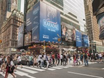 Carpool Karaoke advertising in New York An advertisement to promote the streaming television show C