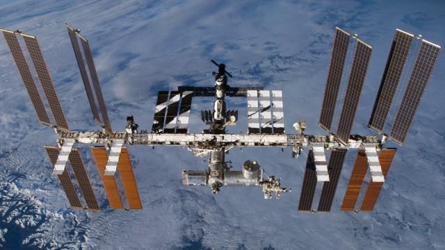 Die Internationale Raumstation ISS umkreist seit 1998 die Erde.