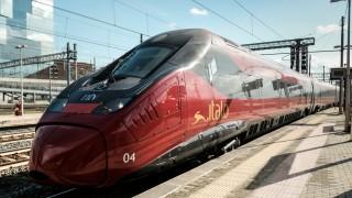 Ein Zug von Italo am Bahnhof in Rom.