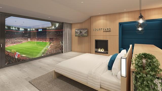 Fc Bayern Ein Hotelbett Mit Blick Aufs Spielfeld Munchen