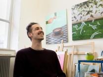 Andrej Auch in der Kunstakademie an seinem Arbeitsplatz. Tassilo-Kandidat