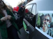 Unterstützer des in der Türkei inhaftierten Deniz Yücel in Berlin.