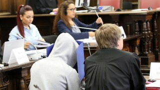 Prozess gegen drei mutmaßliche IS-Mitglieder