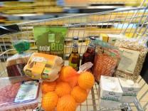 Einkaufen im Bio-Supermarkt