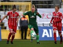v li Simone Laudehr FC Bayern München FCB 21 Lina Hausicke SV Werder Bremen 18 Melanie Behr; Behringer Laudehr FC Bayern München