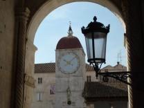 Uhrenturm der Loggia in Trogir