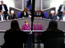 Bundeskanzlerin Angel Merkel hält ihre Regierungserklärung am 22. Februar 2018 im Deutschen Bundestag.