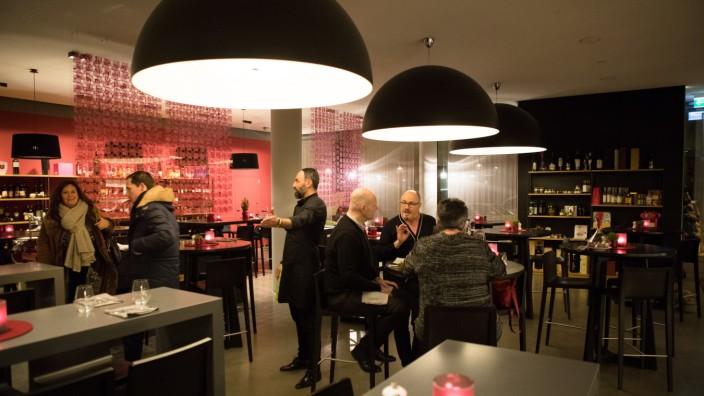 Bar in München: Vinipuri 2.0 an der alten Messe - München ...