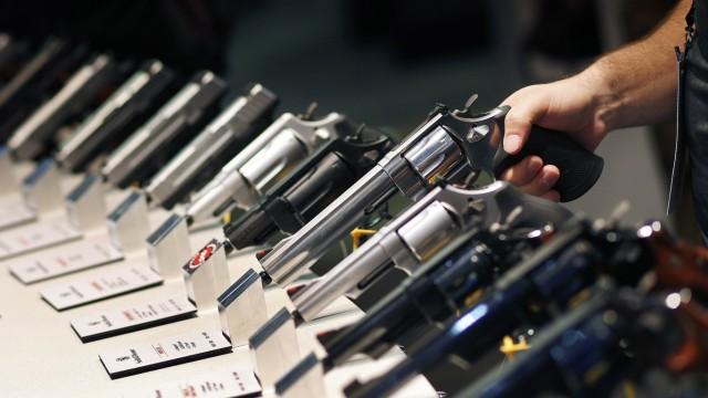 Politik USA Debatte um schärfere Waffengesetze