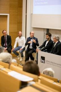 Garching, Hörsaal Leibniz-Rechenzentrum, Boltzmannstraße 1, Podiumsdiskussion über Big Data in Bayern